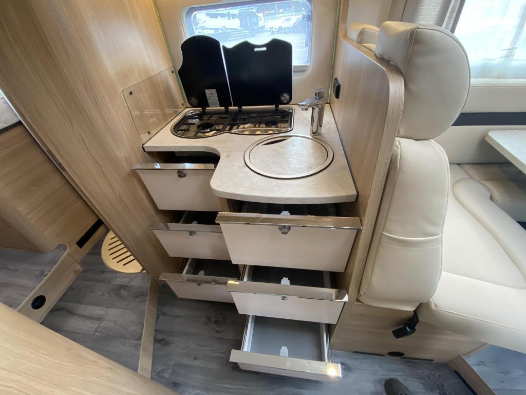 LMC Cruiser T 732 PLATINUM 140PK