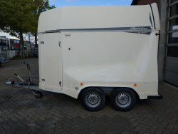 Henra 2 paards polyester