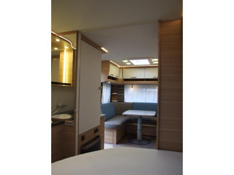 Apothekerskast Keuken 30 Cm : Dethleffs Camper 470 FR Frans bed, rondzit 2017 bij Tjeu van Horne