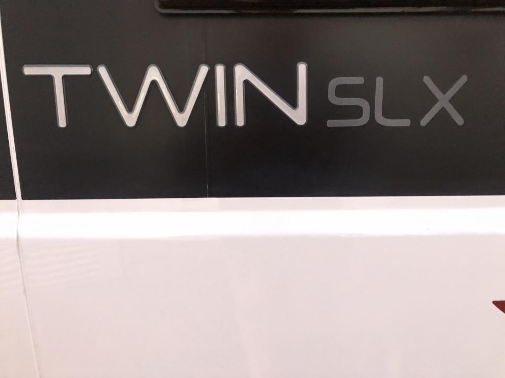 Adria Twin 640 SLX 21.712 KM ! LENGTE BEDDEN