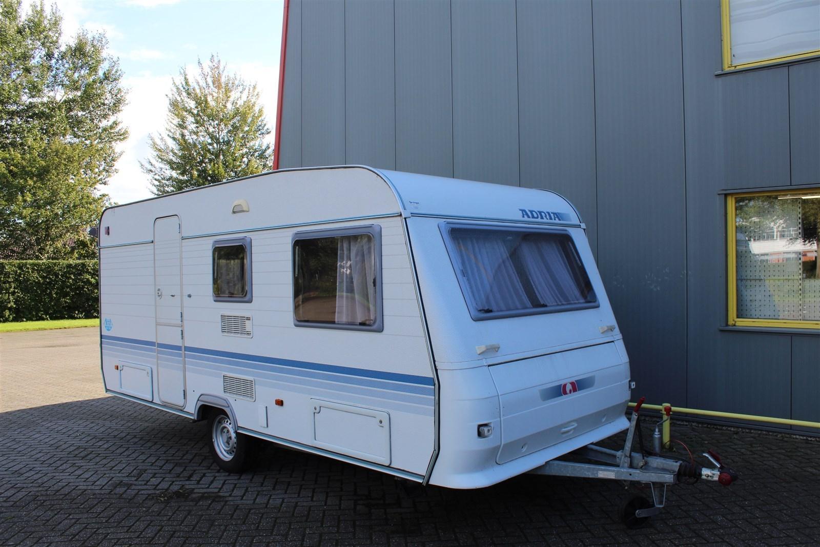Knaus Caravan Met Stapelbed.Uw Partner In Verkoop En Onderhoud Van Uw Caravan Vouwwagen