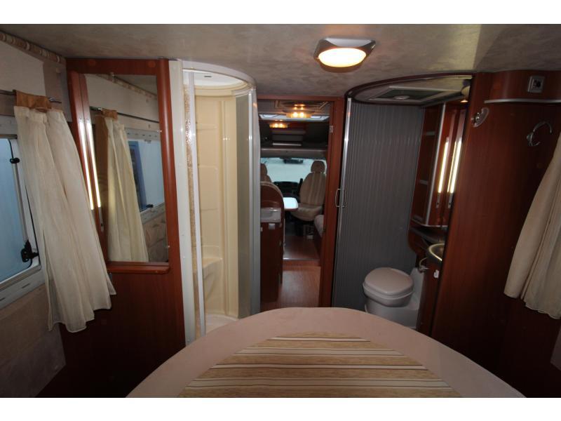 Mc Louis Tandy 672 Queensbed - Airco- Cruise - 2009