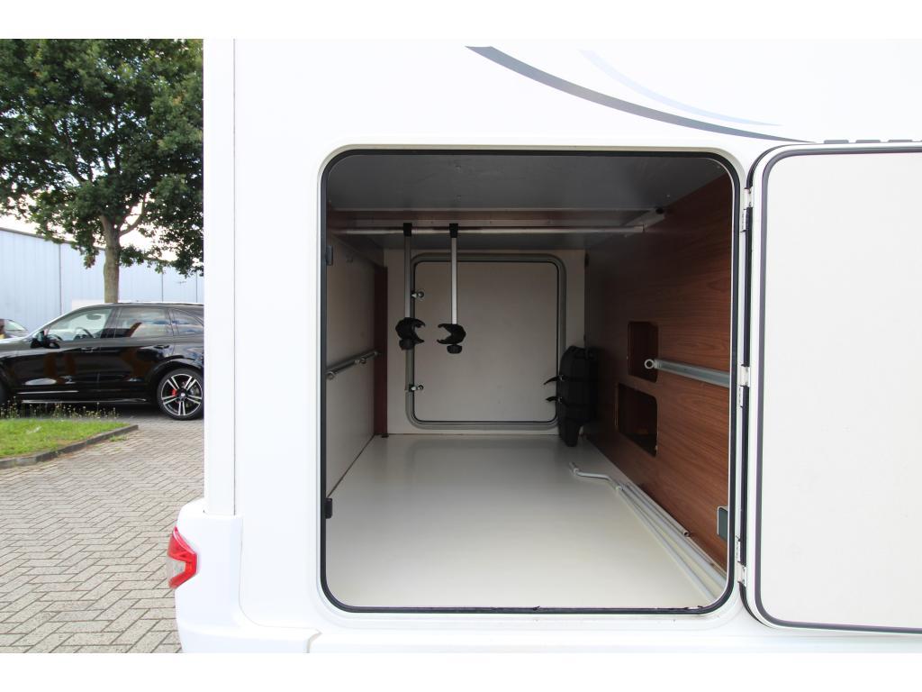 Eura Mobil Profila RS  Enkelebedden + Hefbed