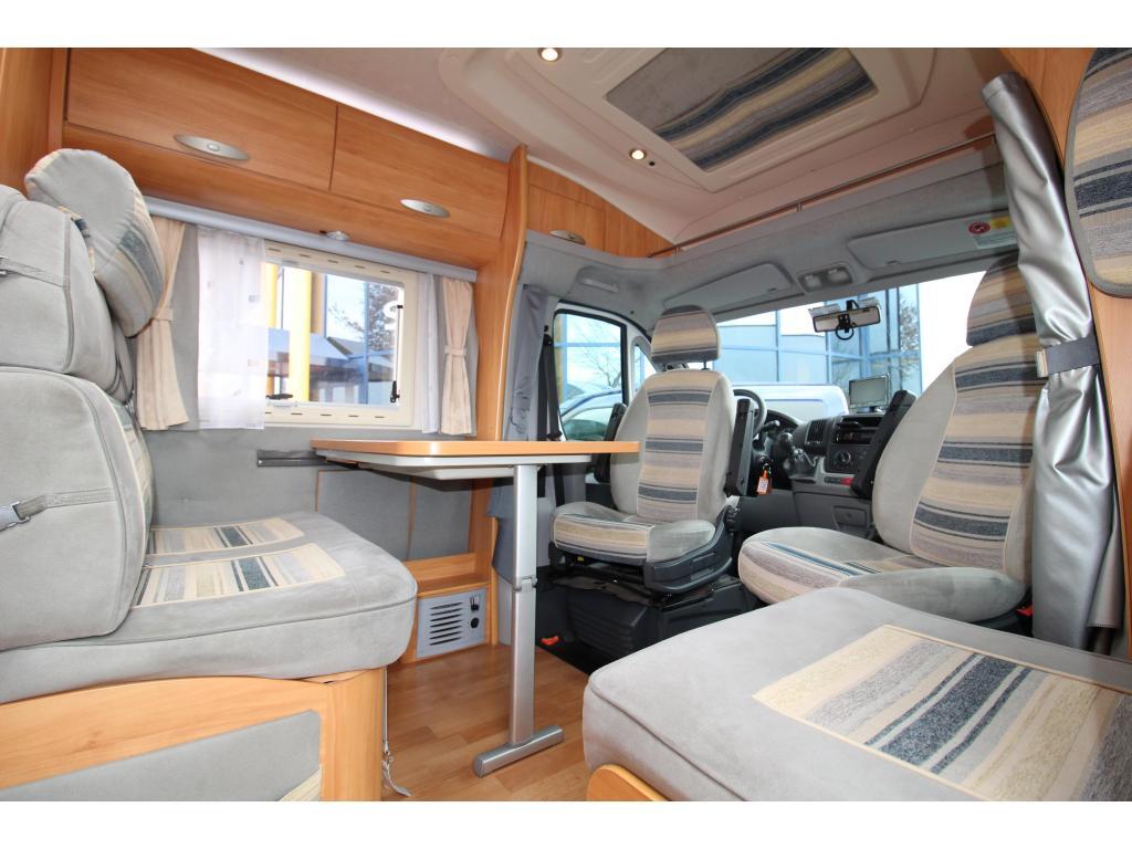 Adria Coral 660 Enkele bedden XXL garage