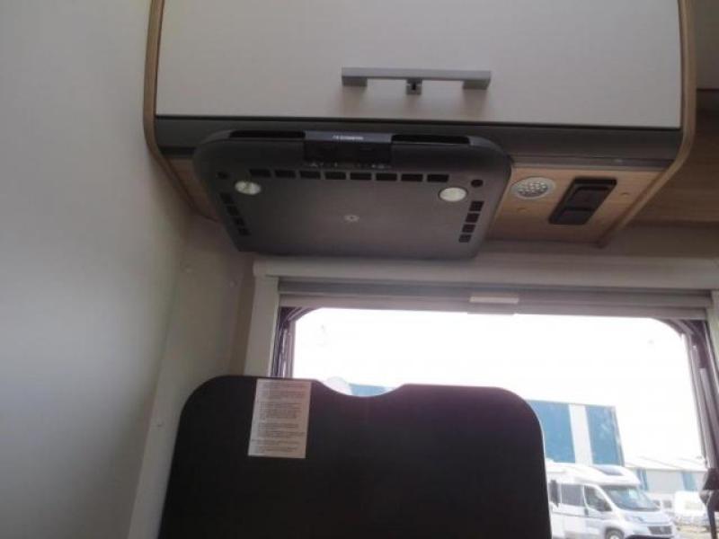 Sunlight T67  Automaat, enkele bedden - 2018