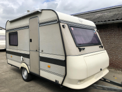 Hobby Classic 370 TM 2x zit/bed 4 persoons
