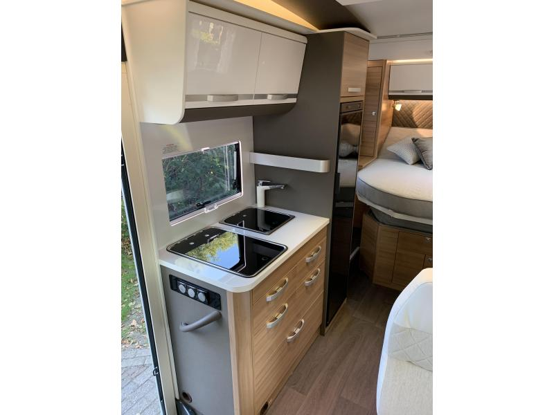 Adria Coral Plus S 600 SC | Queensbed en garage! - 2019
