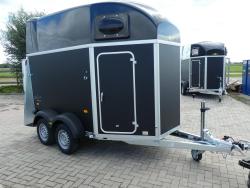 Humbaur Balios 2 paards trailermet zadelkamer