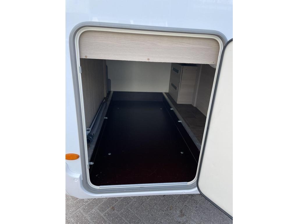 Bürstner Nexxo T 715 Top-Indeling Garage 2014