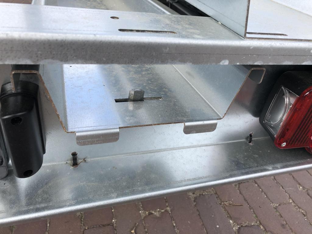 Humbaur motor trailer 3 motoren