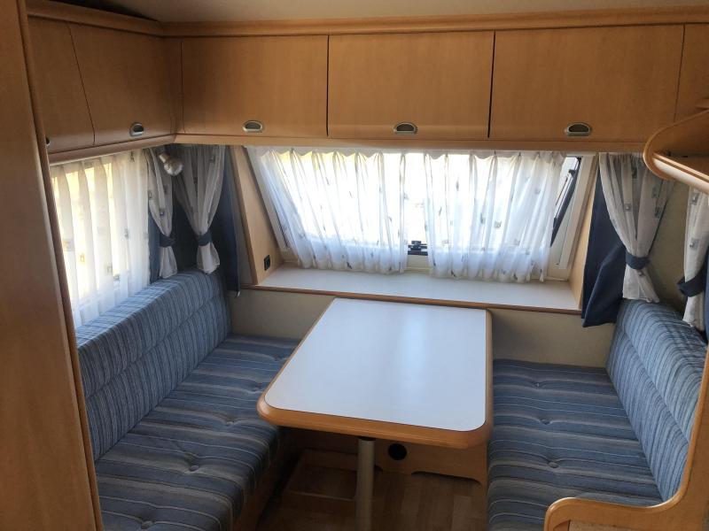 Hobby De luxe Easy 400 SB 2x zit of dwarsbed