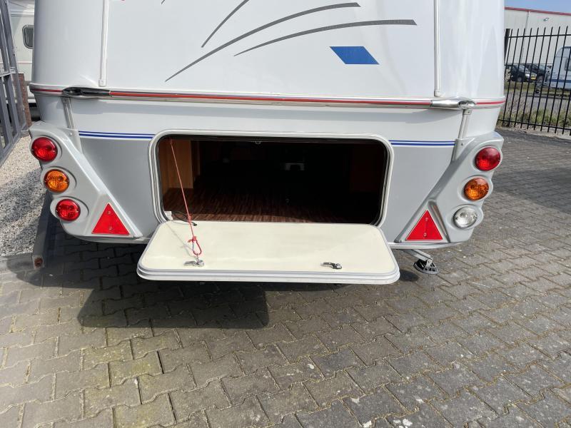 Eriba Pontos 660 GT Queensbed Zit + WC UNIEK