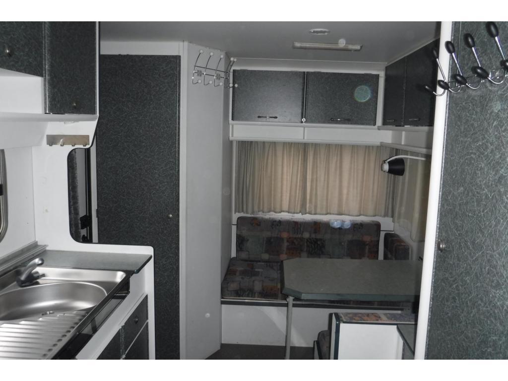 Beyerland Aero Delta 4300 TZ vastbed  en treinzit