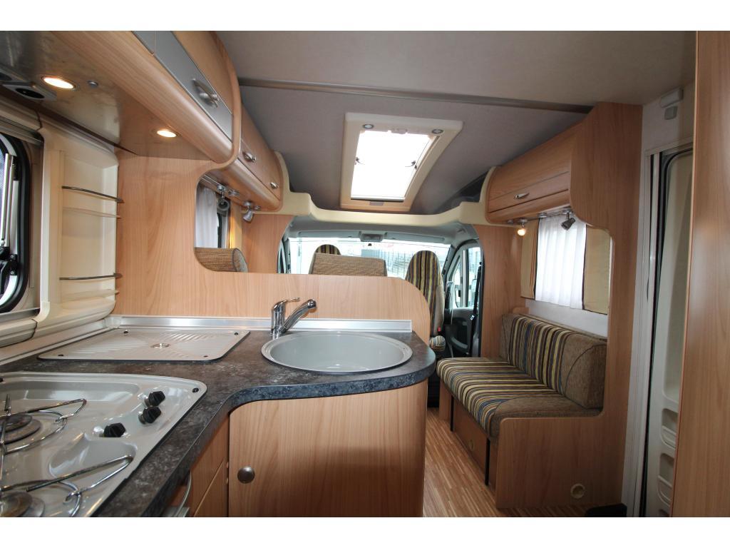 Bürstner Solano 695 Dwarsbed - XXL garage