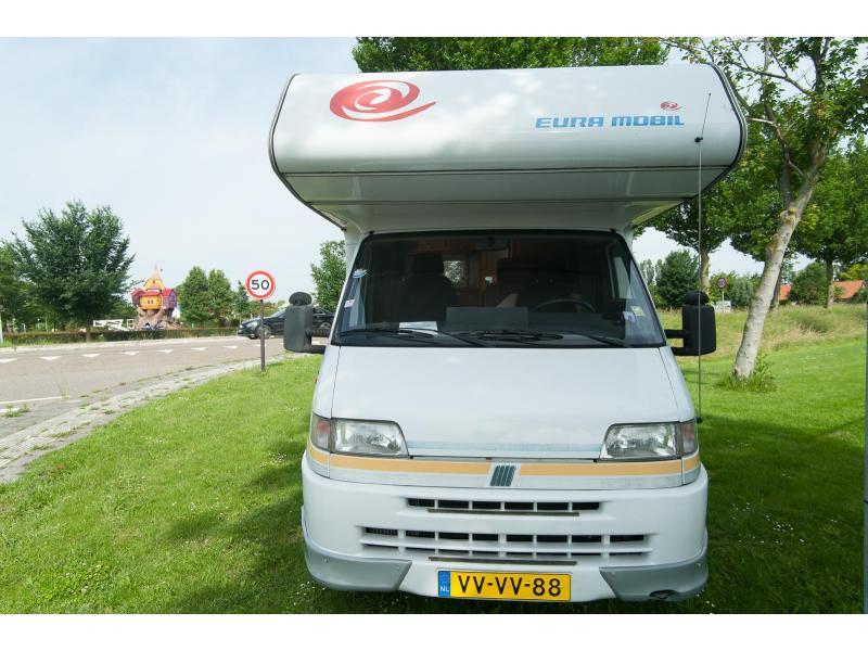 Eura Mobil A 600 A zeer royale bedden. - 1997
