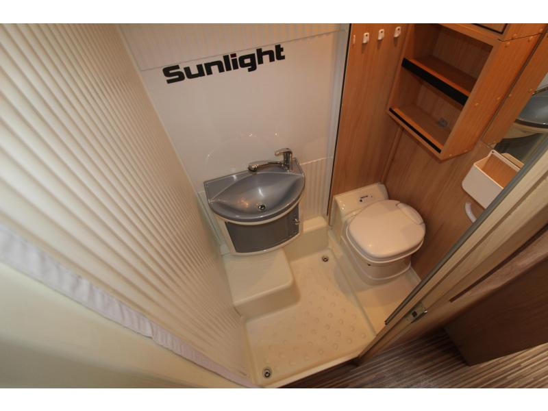 Sunlight T66  Enkele bedden - 2x airco - 2012