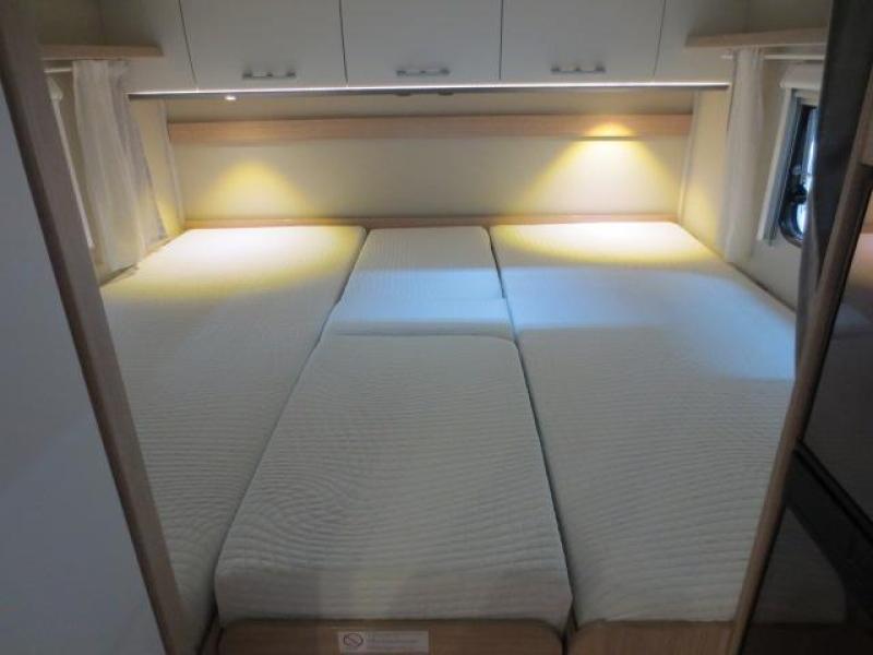 Sunlight T67  Automaat, enkele bedden - 2019