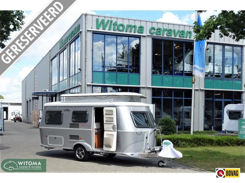 Eriba Touring 550 staat in de showroom