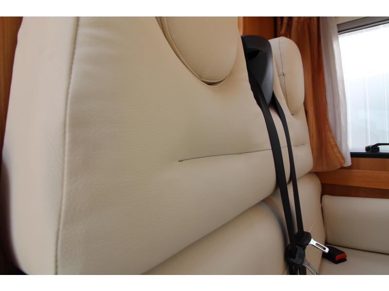 Challenger Genesis 38 3.0L 160PK - Airco - 2008