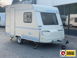 Caravelair Silver 335 DD , zeer nette caravan