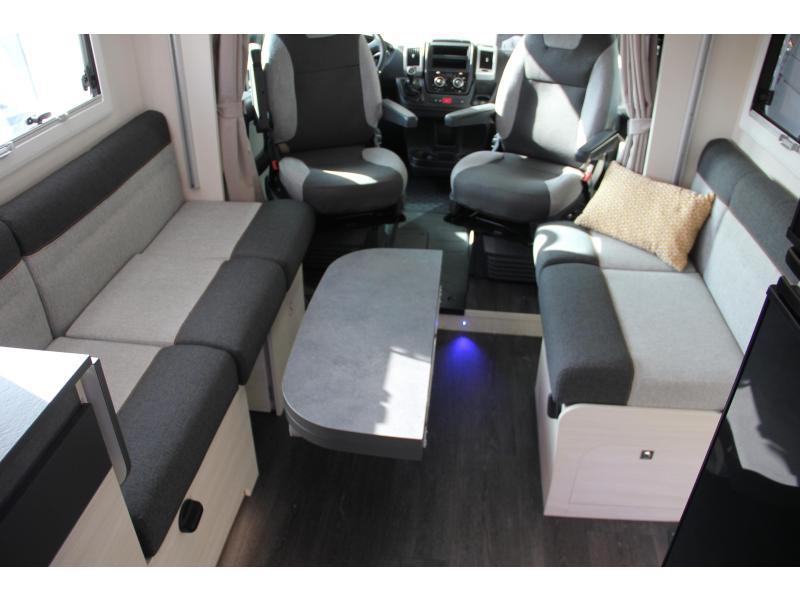 Challenger 250 VIP