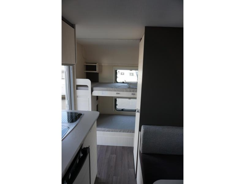 Caravelair Antares Family 466 Stapelbed - 2017