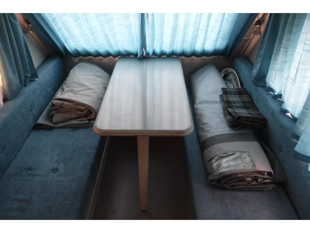 Kip Kompakt 37 EK Hefdak grote zit of bed