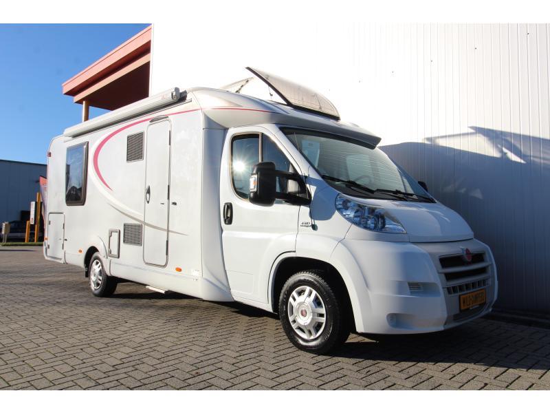Burstner Nexxo 740 Queensbed - Nieuwstaat - 2011