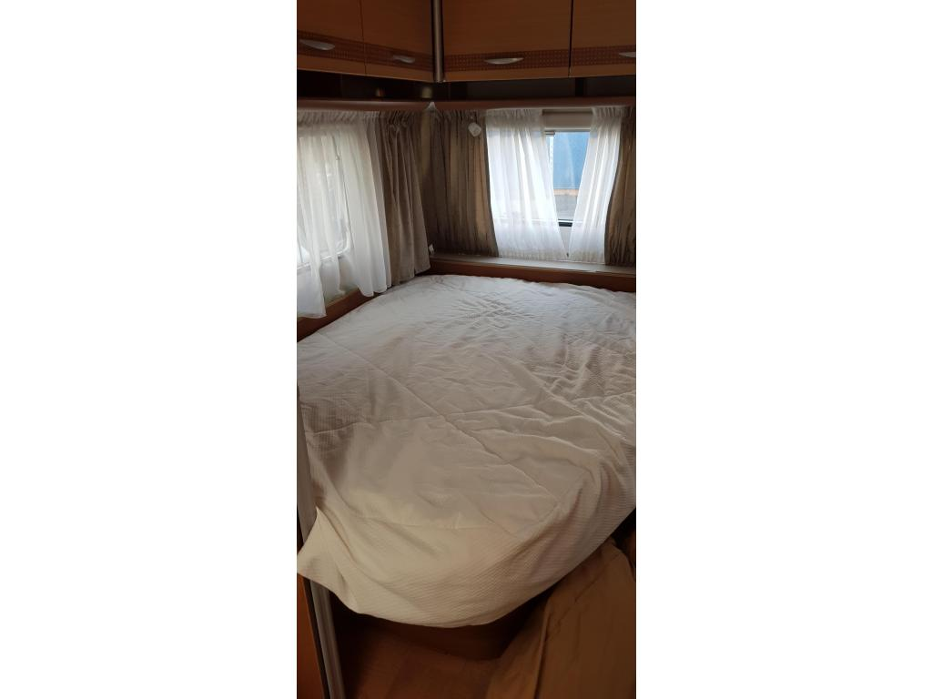 Carado C255 450 UF Made by Hymer Frans bed