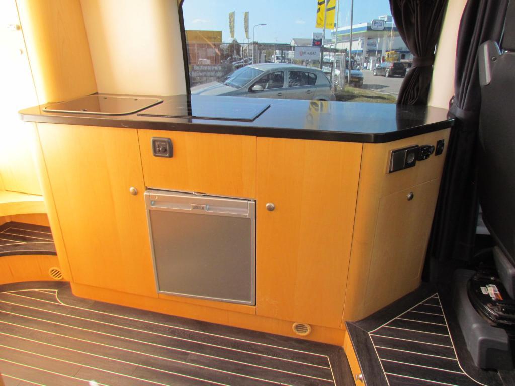 Innova Luxe Interieur  Stapelbedden, Zonnepaneel