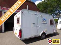 Knaus Azur 400 FD met zgan tent