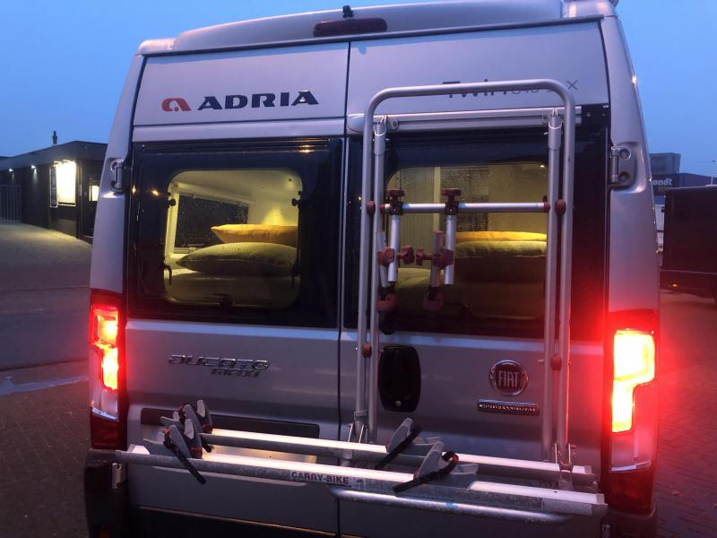 Adria Twin titanium