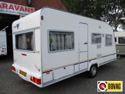 Knaus Vimara 450 TU nette caravan met tent