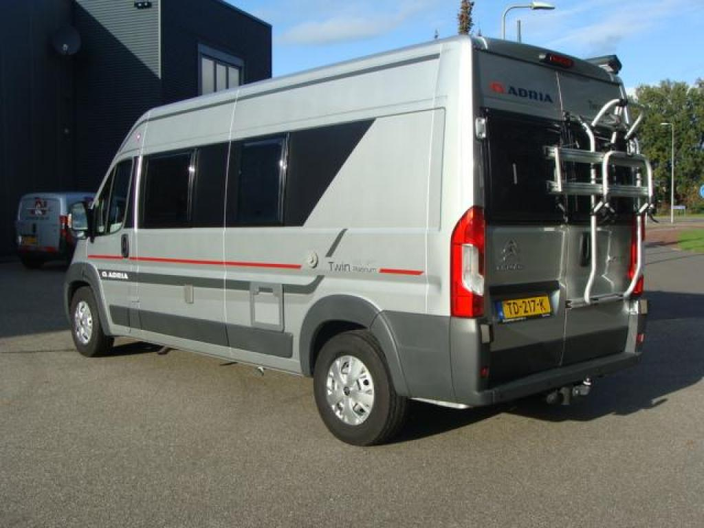Adria Twin platinum