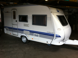 Hobby Excellent Easy 400 SB 4pers toilet 2005