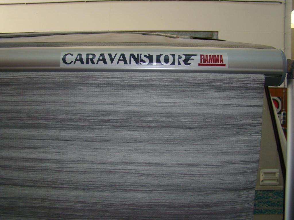 Adria Unica A 320 DD lichtgewicht  !!!