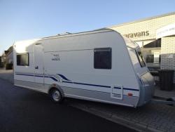 Wilk S3 490 HTD Ruime fransbed caravan